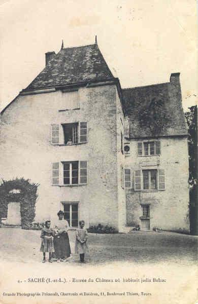 Entrée du château ou habitait Balzac